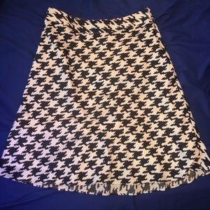 Banana republic satin houndstooth skirt